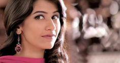Pakistani Model Syra Yousaf Complete Profile And Photoshoots | Amic News