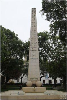 Monumento da Praça 25 de Abril 2011 - Torres Vedras - Portugal