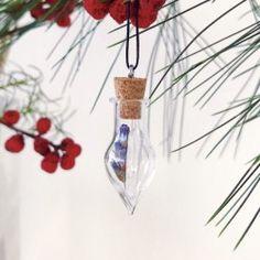 Fiole Quartz et Fleurs Artisanal, Handcrafted Jewelry, Flowers