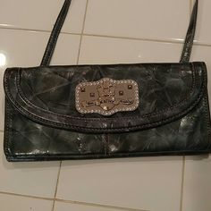 Kathy Van Zeeland crossbody/clutch Kathy Van Zeeland Crossbody with removable strap so you can also use it as a clutch. EUC Measurements are 10in × 5in Kathy Van Zeeland Bags Crossbody Bags