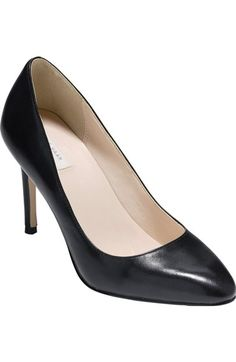 Black pumps are an ELC staple. Great for weekdays in the office and on the road, as well as more formal events such as interviews, presentations and Grand Convention.