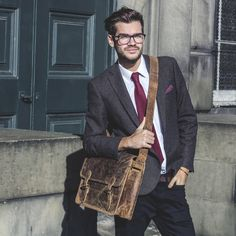 Men's Classic Leather Bags by Scaramanga | http://www.scaramangashop.co.uk/Fashion-and-Furniture-Blog/smart-mens-leather-bags-scaramanga/