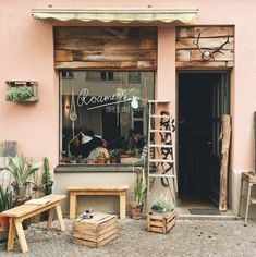 small coffee shop 10 of the Most Cute Cafes in the World Rustic Coffee Shop, Cozy Coffee Shop, Small Coffee Shop, Rustic Cafe, Vintage Coffee Shops, Wooden Cafe, Cafe Shop Design, Coffee Shop Interior Design, Small Cafe Design