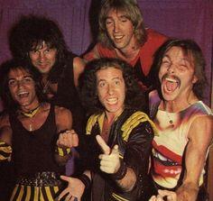 Klaus Meine, Rudolf Schenker. Matthias Jabs, Francis Buchholz, Herman Rarebell. Scorpions.