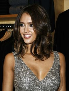 Putting it simple, long bob is timeless and universal. Discover the ideal alternative for you in our gallery of 20 Best Long Bob Brown Hair listed below. 2015 Hairstyles, Long Bob Hairstyles, Pretty Hairstyles, Wedding Hairstyles, Jessica Alba Haar, Jessica Alba Short Hair, Medium Hair Styles, Short Hair Styles, Hair Medium