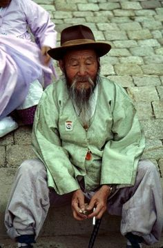 A photo of an old man sitting in #Gyeongju, Korea
