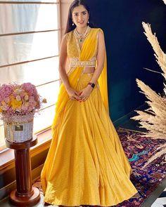 (C) Ridhimehra | (C) Sharnamli | Bridal lehenga | Mehendi outfit ideas | Yellow lehenga | Bridal light lehenga #bridallehenga #lehenga #yellowlehenga #bridesmaids Indian Blouse, Dress Indian Style, Indian Fashion Dresses, Indian Wear, Indian Attire, Dress Fashion, Fashion Outfits, Stylish Blouse Design, Fancy Blouse Designs