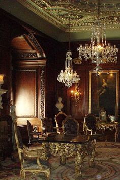 Castelos Medievais: Conversas à luz de vela no castelo de Saint-Fargeau