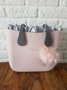 Louis Vuitton Designer, Chanel Designer, Chanel Handbags, Louis Vuitton Handbags, O Bag, Accessorize Bags, What In My Bag, Cross Body Handbags, Fashion Bags