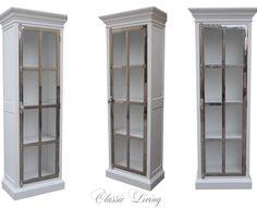"""Her er vårt """"Manhattan Lux Cabinet"""" 80 cm (Hvit og Stål). passer like fint til badet som i stuen.  Se mer informasjon på http://ift.tt/1UdJ1or  #classicliving"""