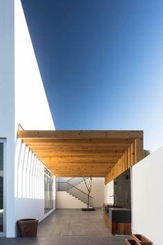 Architecture Details, Interior Architecture, Future House, My House, Casa Petra, Design Exterior, Home Room Design, Canopy Design, Pergola Designs