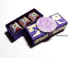 Heute morgen hatte ich euch meine Küsschen-Box gezeigt und da ein Tutorial gewünscht wurde.. ;-) hab ich den Workshop noch fertig gemacht.. ...