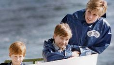 Infância. Princesa Diana e os filhos William e Harry em passeio nas Cataratas do Niágara, nos EUA