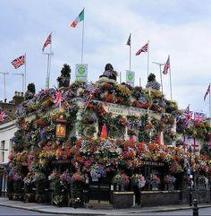 London pub The Churchill Arms
