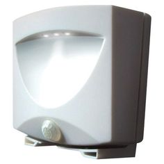 Battery-Powered Motion-Activated Outdoor Night Light (White) - MAXSA INNOVATIONS - 40341