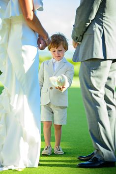 Charleston, Hilton Head, Savannah, Myrtle Beach Wedding Inspiration on A Lowcountry Wedding Blog & Magazine | Kiawah Island Wedding {Meghann + Jordan}