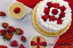 Torta alle #fragole con #panna e #crema fatta con la base della torta Margherita. L'aspetto è da modificare, non sono un gran pasticcere! Che ve ne pare?! http://www.oggicucinamirco.it/torta-panna-fragole-crema/