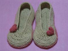 Marinasognaecrea: Crochet slippers con la lana della pecora cornigliese