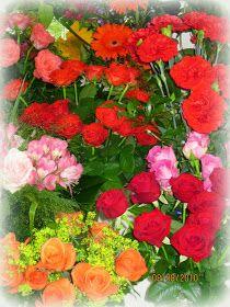 Arkimamman Arkiralli: Vaahtokarkki-kumpareet Floral Wreath, Wreaths, Decor, Floral Crown, Decoration, Door Wreaths, Deco Mesh Wreaths, Decorating, Floral Arrangements