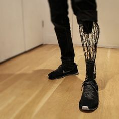 This is a picture of a man wearing a futuristic looking prosthetic leg! What you may not know is this was printed by a printer! Currently, the medical industry is working on making prosthetics that are manufactured by printers! Prosthetic Leg, High Fashion Men, Futuristic Technology, Technology Gadgets, Medical Technology, Wearable Technology, Energy Technology, Ex Machina, 3d Prints