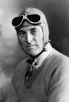 CAPTAIN SIR MALCOLM CAMPBELL AND HIS BLUEBIRD LAND WATER SPEED RECORD VEHICLES SPEED ACES BIOGRAPHY MAJOR