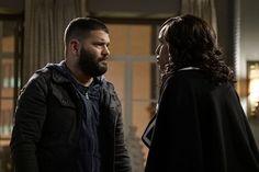 Scandal: Olivia cobra lealdade de Huck - http://popseries.com.br/2017/03/18/scandal-6-temporada-a-traitor-among-us/