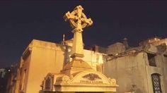#Sobrenatural Agitando los fantasmas de la recoleta: Una recorrida de noche por el cementerio y la historia Argentina.
