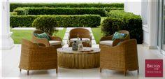 Sabe o que você precisa para ter um fim de semana agradável? Um lugar ao ar livre com a Mesa Giglia e as Cadeiras Solace que unem conforto e design. Gostou da combinação? #BretonActual #Breton #MesaGigliaBreton #CadeirasSolaceBreton
