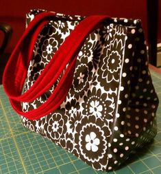 Lunch Bag - Fat Quarter Girls Bags 'n Things