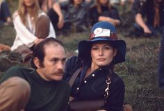 Looking good on the job, members of the press take in the sights of the 1969 Woodstock Music Festival 1969 Woodstock, Woodstock Hippies, Woodstock Music, Woodstock Festival, Woodstock Photos, Hippie Style, Hippie Mom, Laura Whitmore, Lily Donaldson