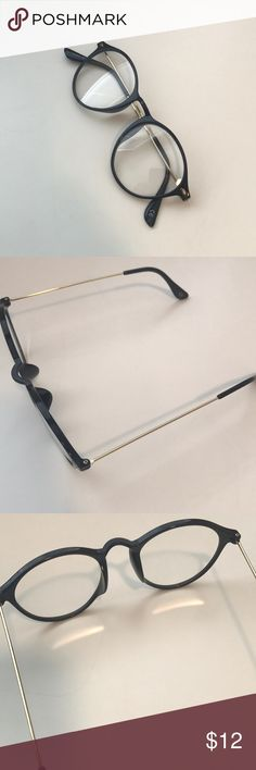 NEW Black Fashion circle glasses NEW!! Black and gold. Fashion clear glasses. Circle style and small. Accessorize right and bring your outfit to a new level. Let me know if you have any more questions.  Bundle and Save! Accessories Glasses