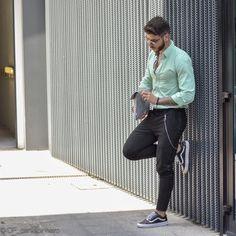 Best Summer Business Attire Ideas For Men 2018 22 outfits Summer Business Attire, Business Casual Men, Latest Mens Fashion, Men Fashion, Fashion Ideas, Formal Fashion, Work Fashion, Fashion Styles, Fashion Boots