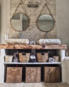 Cement tiles in the bathroom: 20 inspiring ideas! - Kozikaza - Bathroom with double marble basins, decorative cement tiles Bad Inspiration, Bathroom Inspiration, Bathroom Red, Bathrooms, Concrete Tiles, Cabin Homes, Bathroom Interior Design, Inspired Homes, House Styles