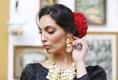Pendientes y collar de flores preservadas. Drop Earrings, Jewelry, Fashion, Flower Necklace, Flamingo, Ear Jewelry, Jewellery Making, Moda, Jewels