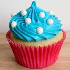 vanilla cupcakes w/delicious frosting