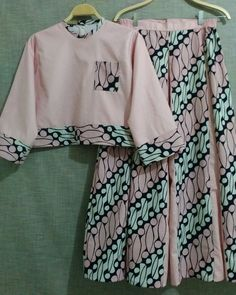 "Womens Fashion - Batik keren ""Batik keren for kids"" Kulot Batik, Mode Batik, Batik Kebaya, Blouse Batik, Batik Dress, African Attire, African Wear, African Dress, African Print Fashion"