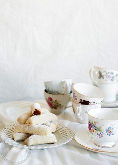 Receta Deditos de Novia: Esta postre fantástico va muy bien con el café de la tarde, son bastante fácil de preparar y puedes disfrutarlos hasta por 3 días.