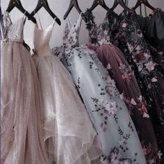 Elegant Dresses, Pretty Dresses, Beautiful Dresses, Ball Gown Dresses, Prom Dresses, Wedding Dresses, Glamouröse Outfits, Fantasy Gowns, Fairytale Dress