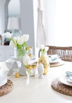 Craftberry Bush | Easter Tablescape and a Little Spring Refresh | http://www.craftberrybush.com