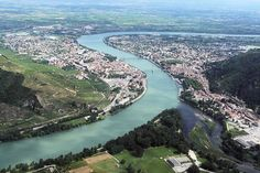 Located on the left bank of the Rhone,Drome, Tain l'Hermitage faces Tournon-sur-Rhone.