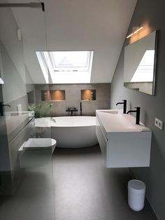 Simple bathroom layout on floor and color play between gray and white walls - Badezimmer Loft Bathroom, Simple Bathroom, Bathroom Layout, Bathroom Interior Design, Modern Bathroom, Bathroom Ideas, Master Bathroom, Bathroom Storage, Bathroom Vanities