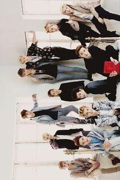 x. Find images and videos about exo, baekhyun and sehun on We Heart It - the app to get lost in what you love. Kai Exo, Chanyeol Baekhyun, Park Chanyeol, Exo Ot12, Chanbaek, Exo Group Photo, Exo Album, Exo Lockscreen, Kim Minseok