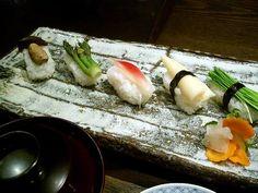 vegan sushi ideas - pickled veggies, myoga, and blossoms Healthy Asian Recipes, Delicious Vegan Recipes, Sushi Rice Recipes, Veggie Sushi, Vegan Vegetarian, Vegan Food, Veggies, Sushi Ideas, Ethnic Recipes