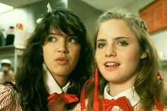 Phoebe Cates and Jennifer Jason Leigh in Fast Times at Ridgemont High Teen Movies, Funny Movies, Great Movies, Linda Barrett, Phoebe Cates, Famous Movie Quotes, Black Actors, Fast Times, Dvd Blu Ray