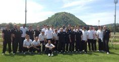 Wolfsburg vs Napoli, relax per i calciatori tedeschi sulla pista in erba di Agnano
