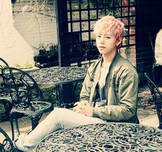 Daehyun.. I want to play with your hair