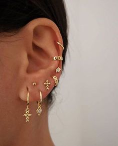 Ear Jewelry, Cute Jewelry, Jewelery, Jewelry Accessories, Jewelry Ideas, Gold Jewelry, Dainty Jewelry, Diamond Jewelry, Jewellery Earrings