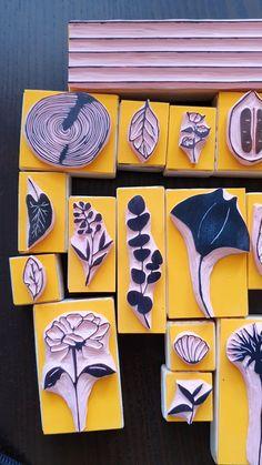 Stamp Printing, Printing On Fabric, Eraser Stamp, Stamp Carving, Handmade Stamps, Fabric Stamping, Diy Papier, Diy Crafts To Sell, Sell Diy