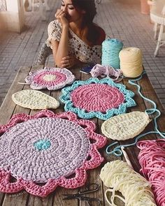 Crochê by Polina Kraynova Crochet Doily Rug, Crochet Carpet, Crochet Rug Patterns, Crochet Mandala Pattern, Crochet Fall, Knit Or Crochet, Knitting Patterns, Crochet For Dummies, Knit Rug