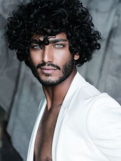 - The Effective Pictures We Offer You About diy A quality picture can tell you - Gorgeous Black Men, Beautiful Men Faces, Handsome Black Men, Curly Hair Men, Curly Hair Styles, Pretty People, Beautiful People, Hommes Sexy, Pretty Eyes
